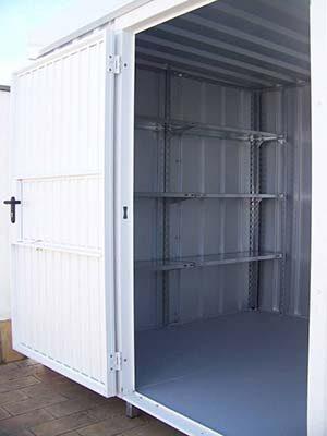 Puerta blanca de acero de doble grosor lacada en poliéster