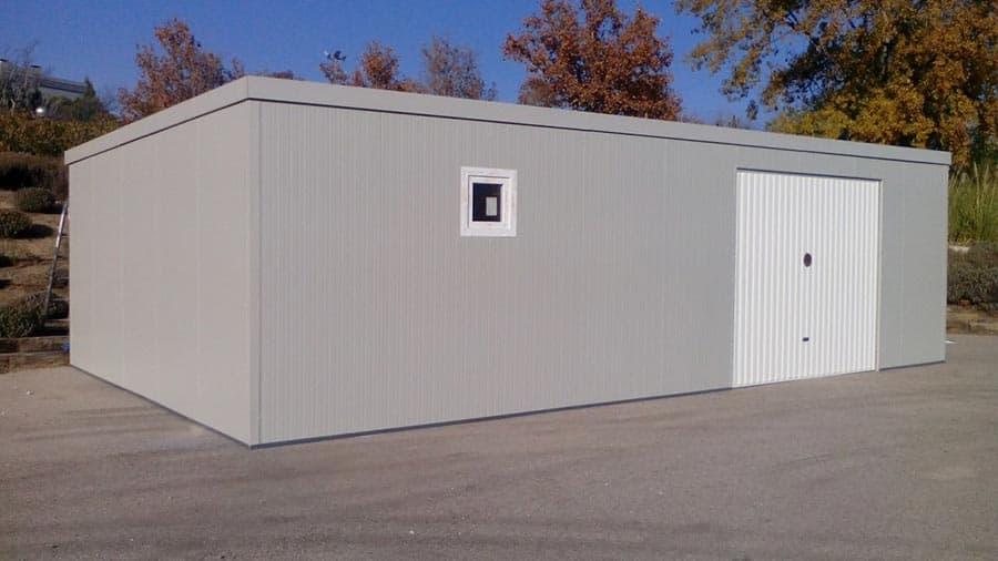 Garaje almac n prefabricado en la universidad europea de for Garajes metalicos en bolivia