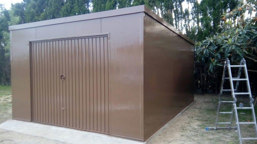 Garajes prefabricados archives trasteros prefabricados for Caseta de chapa desmontable